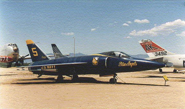 GRUMMAN F11F TIGER BuNo 141824